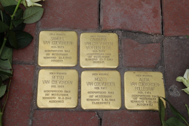 Stolpersteine Stationstraat 2